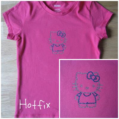 Zelf gemaakte Hello Kitty applicatie met het hotfix startpakkethotfix startpakket van MaMarieke.nl. Aangebracht op een roze kant en klaar shirt