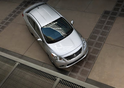 Nissan Versa Sedan silver color