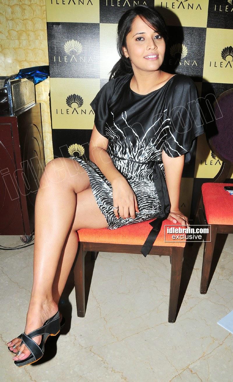 Anasuya crossed legs