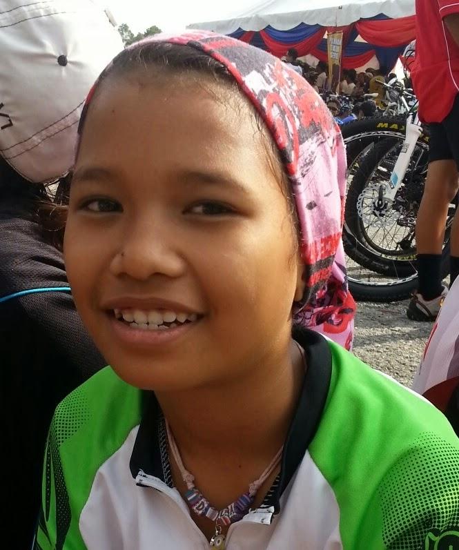 Junior : Adila