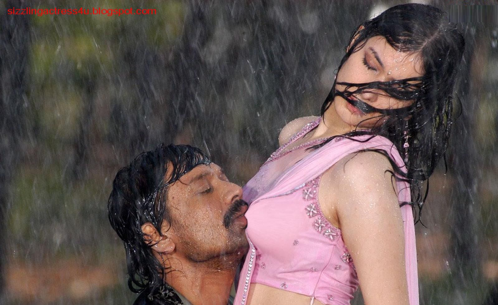 celebrity ting ting: tamanna boobs kisseds. j. surya in movie