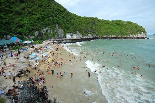 Bãi biển Cát Bà - Hải Phòng