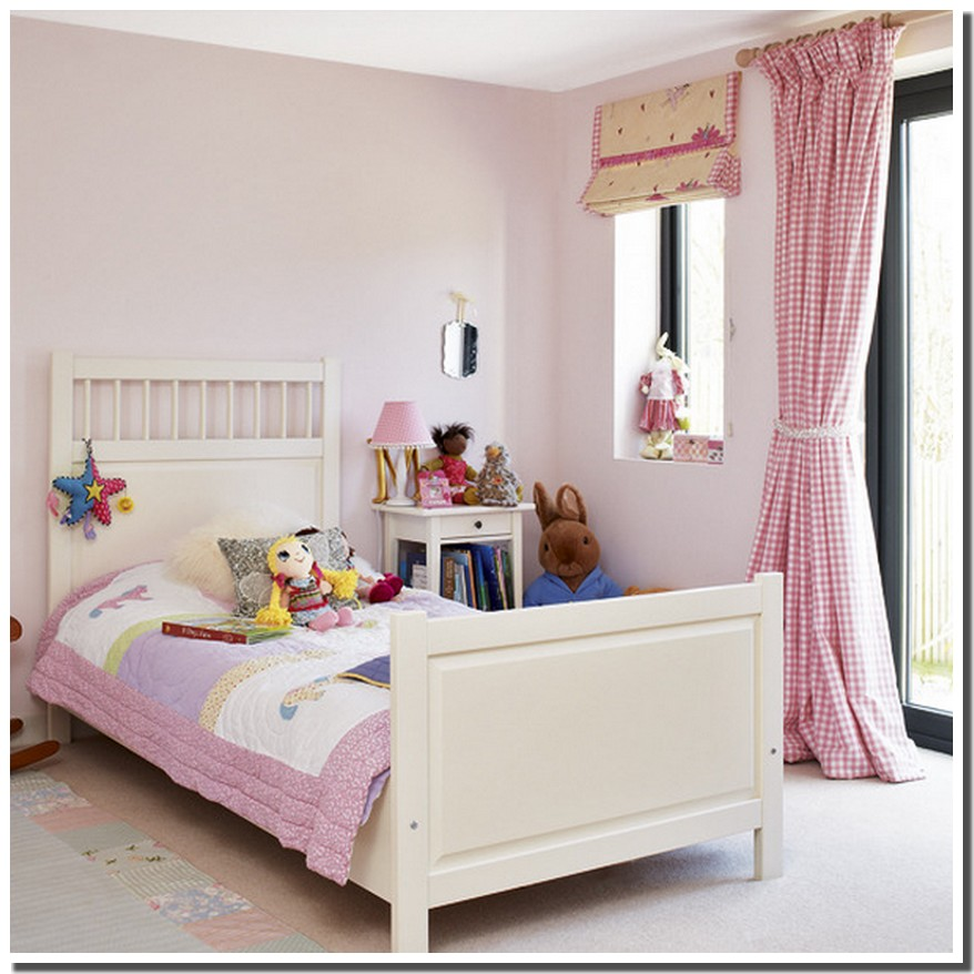 nassima home chambre en rose vichy vintage pour fillette. Black Bedroom Furniture Sets. Home Design Ideas