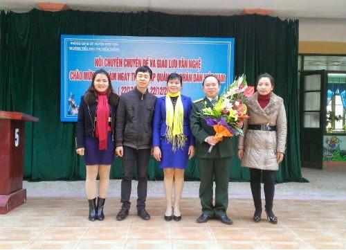 Hoạt động chào mừng 22-12 của Trường TH Thị trấn Thắng