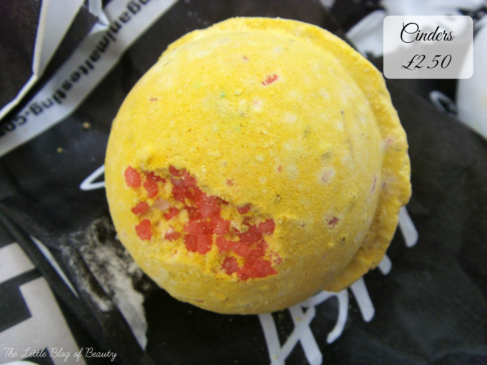 Lush Cinders bath bomb