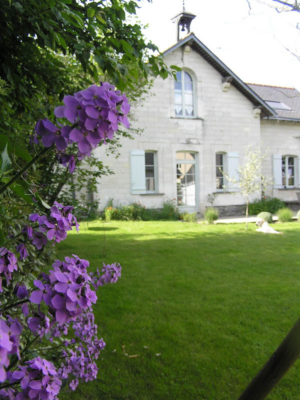 french farmhouse and flowers