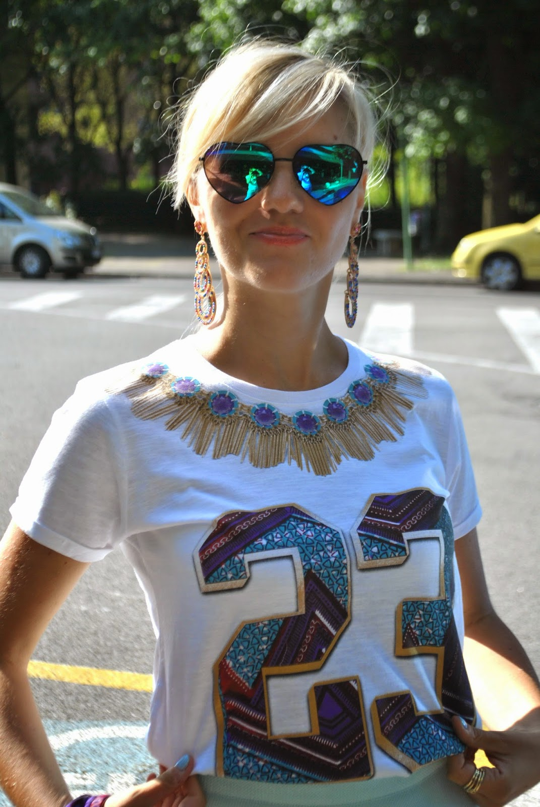 outfit gonna a ruota e t-shirt outfit gonnaa ruota verde acqua outfit gonnaa ruota turchese outfit tee trend orecchini majique scarpe il laccio occhiali con lenti a cuore maglia tee trend con il numero 23 stampato e maxi collana disegnata abbinamenti gonna e t-shirt outfit gonna e t-shirt outfit gonna e tacchi outfit estivi outfit estate 2014 outfit estivi ragazza outfit settembre 2014 outfit round skirt outfit t-shirt and skirt majique jewels majique london earrings majique fashion bloggers italy fashion blogger italiane fashion lookbook street style street style round skirt street style gonna a ruota street style t-shirt outfit mariafelicia magno fashion blogger di colorblock by felym outfit di colorblock by felym fashion blog di mariafelicia magno fashion blogger bionde milano smalto azzurro