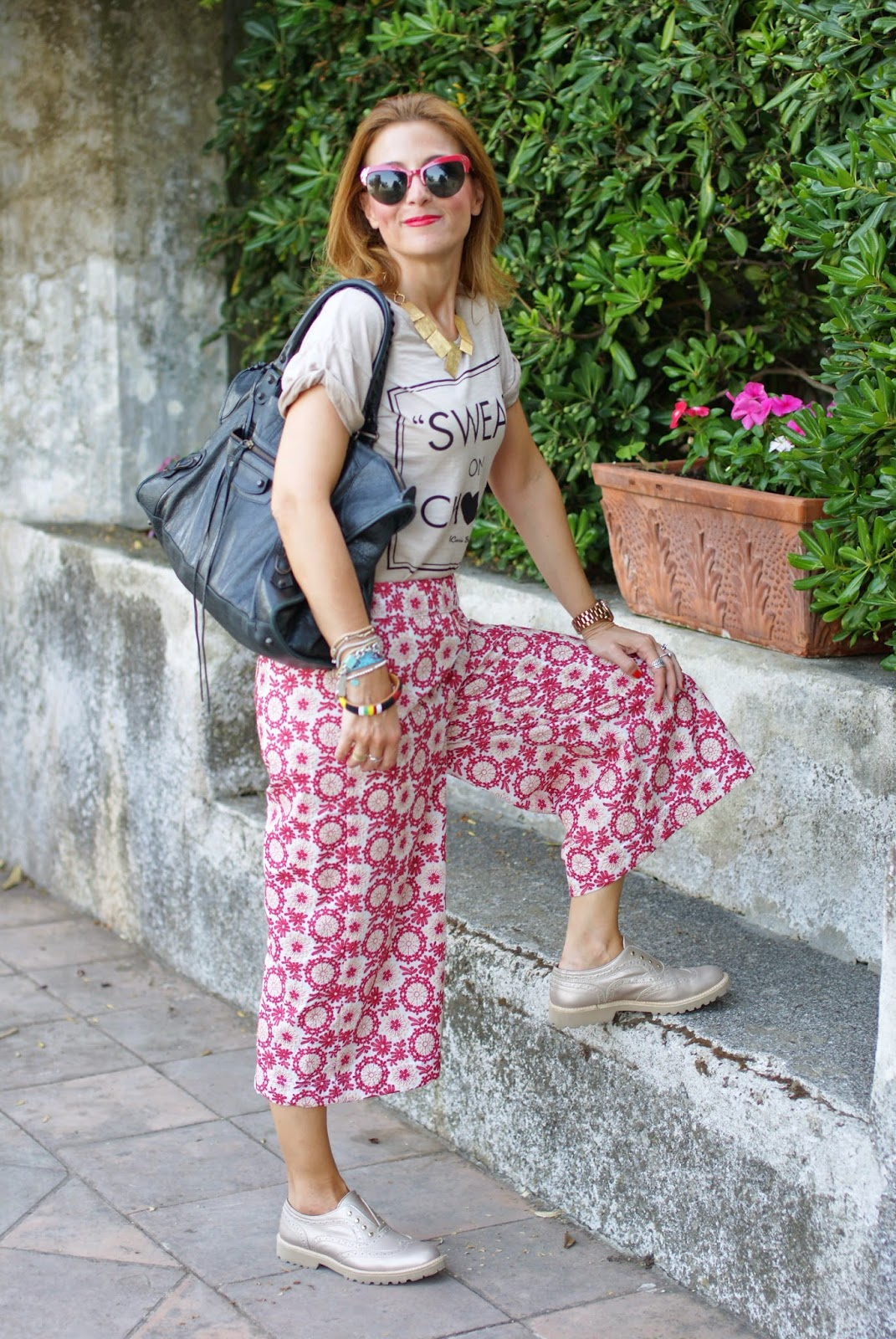 Swear on Chanel t-shirt, platinum oxfords, Spitfire sunglasses, Balenciaga work bag, Rose a pois culottes pants, Fashion and Cookies, fashion blogger
