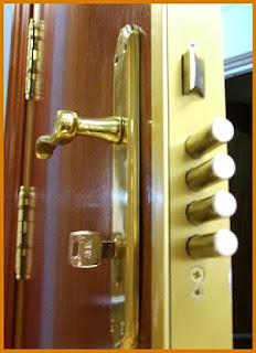 Apertura de puertas blindadas