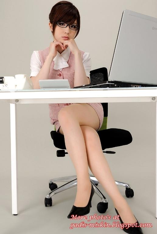 sekretaris+sexy+%25282%2529+gadis-miskin.blogspot.com+