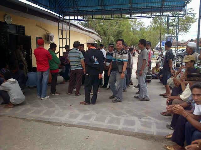 Warga Sape Tuntut SK Pelelangan Tanah Eks Jaminan