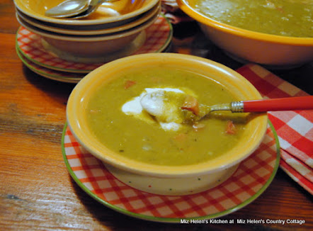 Pressure Cooker Southeren Split Pea Soup