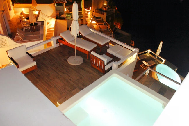Aqua Luxury Suites (Imerovigli): Private deck of executive suite. Luxury hotels in Santorini. Honeymoon hotels in Santorini. Where to stay in Santorini.