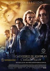 Cazadores de Sombras: Ciudad de Hueso (2013)