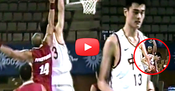 #ThrowbackThursday | Asi Taulava vs. Yao Ming (VIDEO)