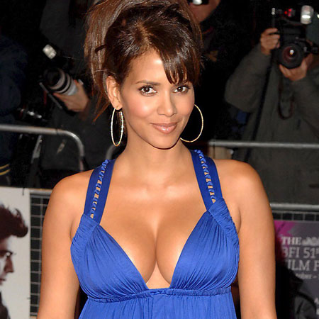 Halle Berry Nude Boobs show pictures.Halley berry hot sexy ass show bikini ...