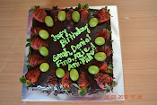 Chocolate Moist  filling blueberry With Fresh Fruit RM48 +-1.5kgs