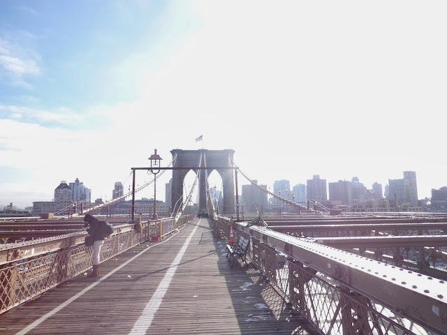 Brooklyn von der Brooklyn Bridge aus betrachtet