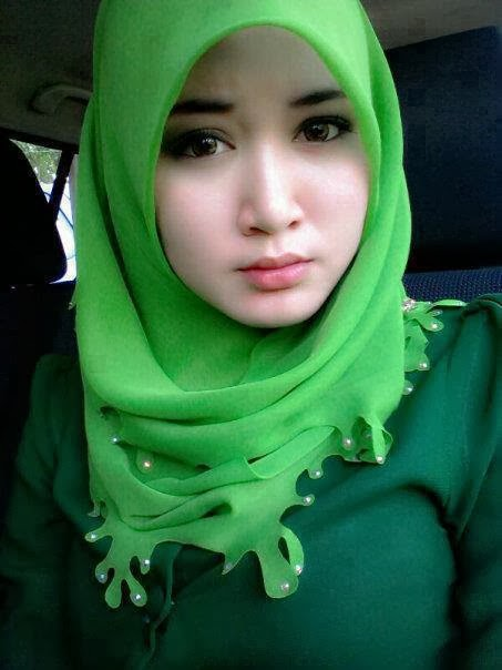 foto cewek cantik berhijab modern   caberawit