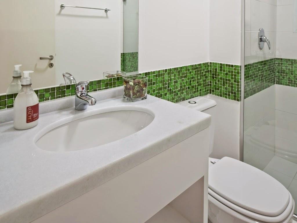 O canto de Felipe e Nubia Banheiro Social  Nicho -> Banheiros Com Pastilhas Na Horizontal