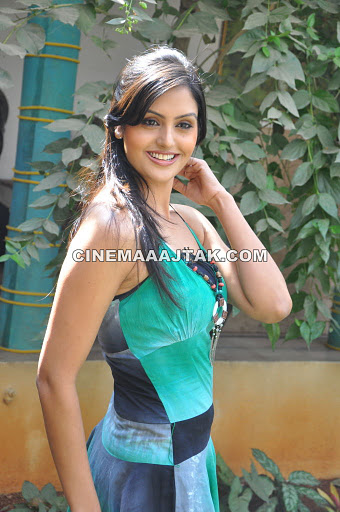 Gauri Sharma in Green Dress1 - Gauri Sharma Hot Pics - Photoshoot in Green Dress