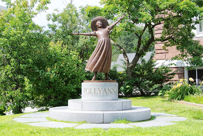 Statue of Pollyanna