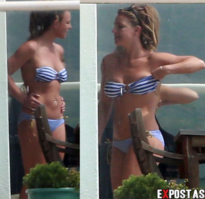 Britney Spears de biquíni na casa de um amigo em Malibu - 25 de Março de 2013