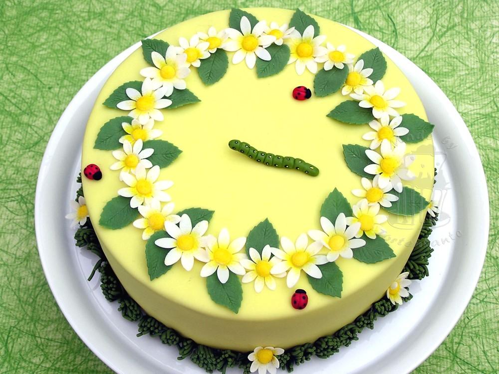 Sommertorte mit Rollfondant Überzug, Caterpillar cake fondant