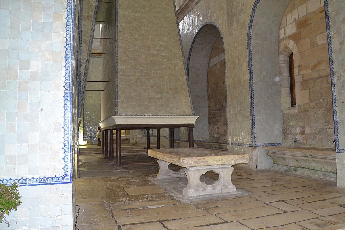 монастыри Португалии, Алкобаса