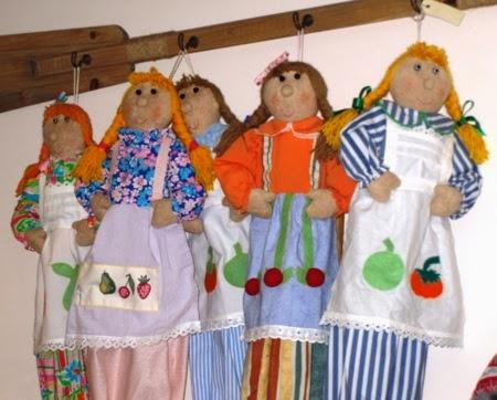 Muñecas de tela guarda-pijamas