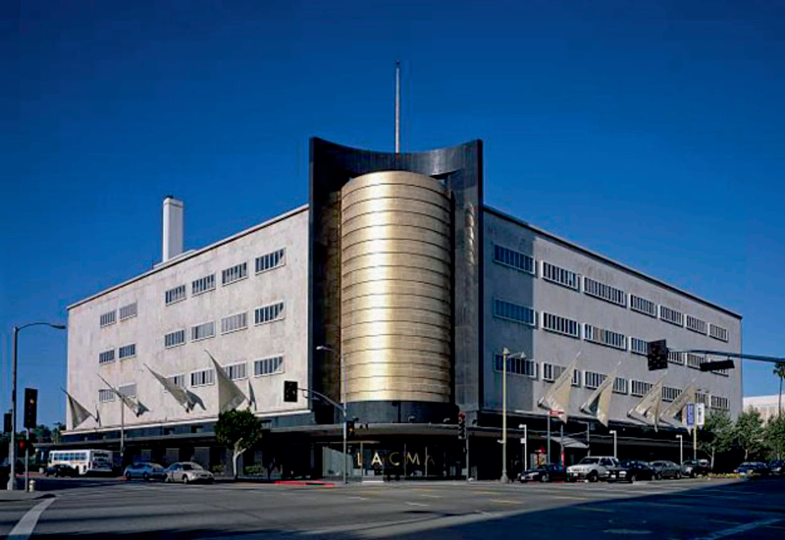 Academy museum of motion pictures by renzo piano for La architecture
