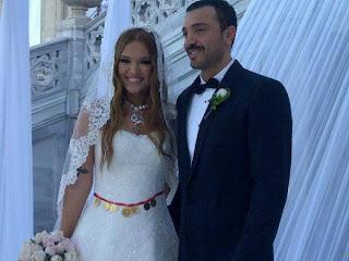 demet-akalın-gelinliği-modeli-düğün-resimleri