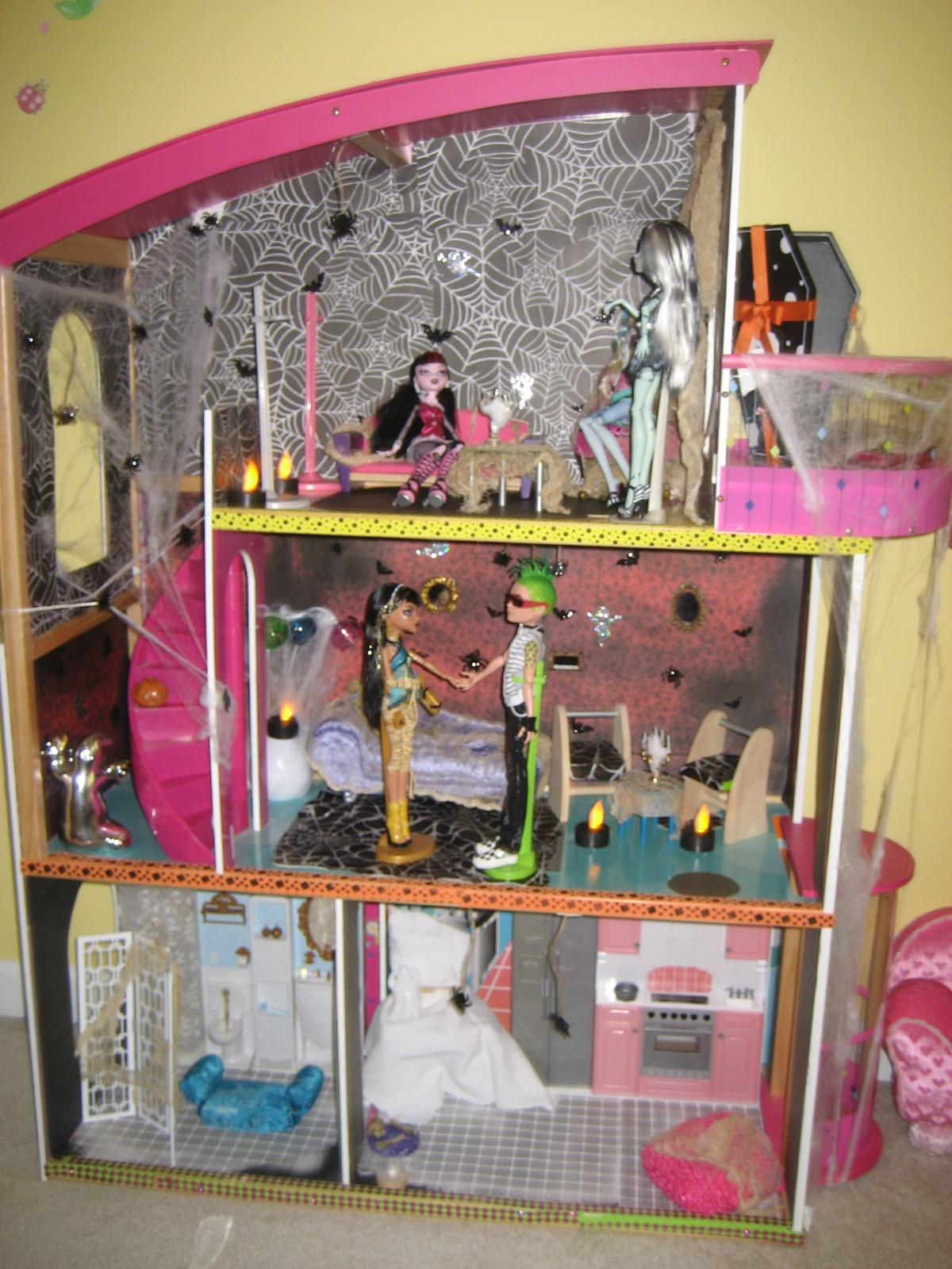Домик для кукол монстер хай своими руками фото