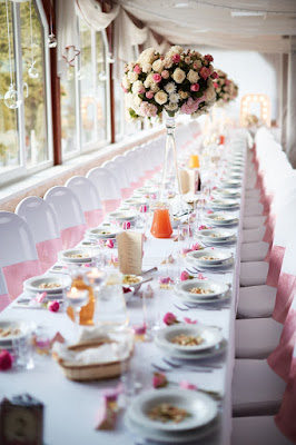 dekoracja weselna róż pudrowy, duże bukiety