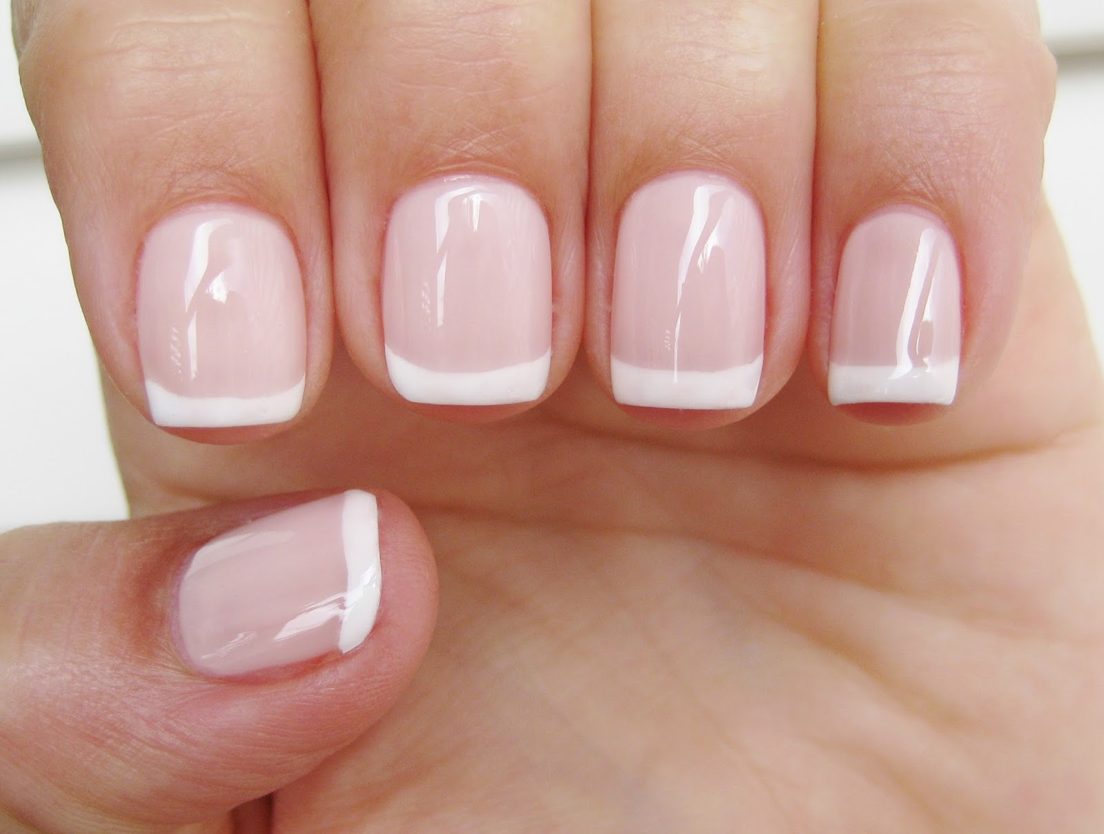 Dahlia Nails: Happily Ever After with Mavala