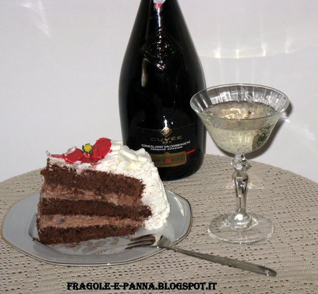 una torta,un compleanno e...tanti auguri a me!