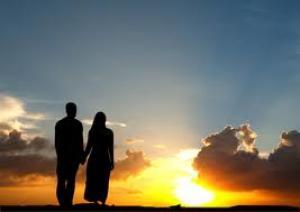 اعتبار شريك الحياة مثالياً يسعد الزوجين !!!!