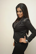 Actress Poorna latest photos-thumbnail-20