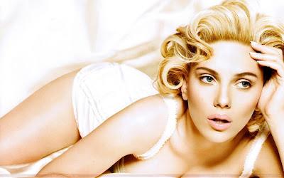 Scarlett Johansson creamy Wallpaper