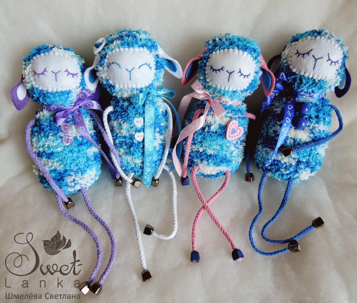 синие овечки игрушки