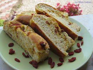 Pane alle bacche di Goji e farina di Kamut