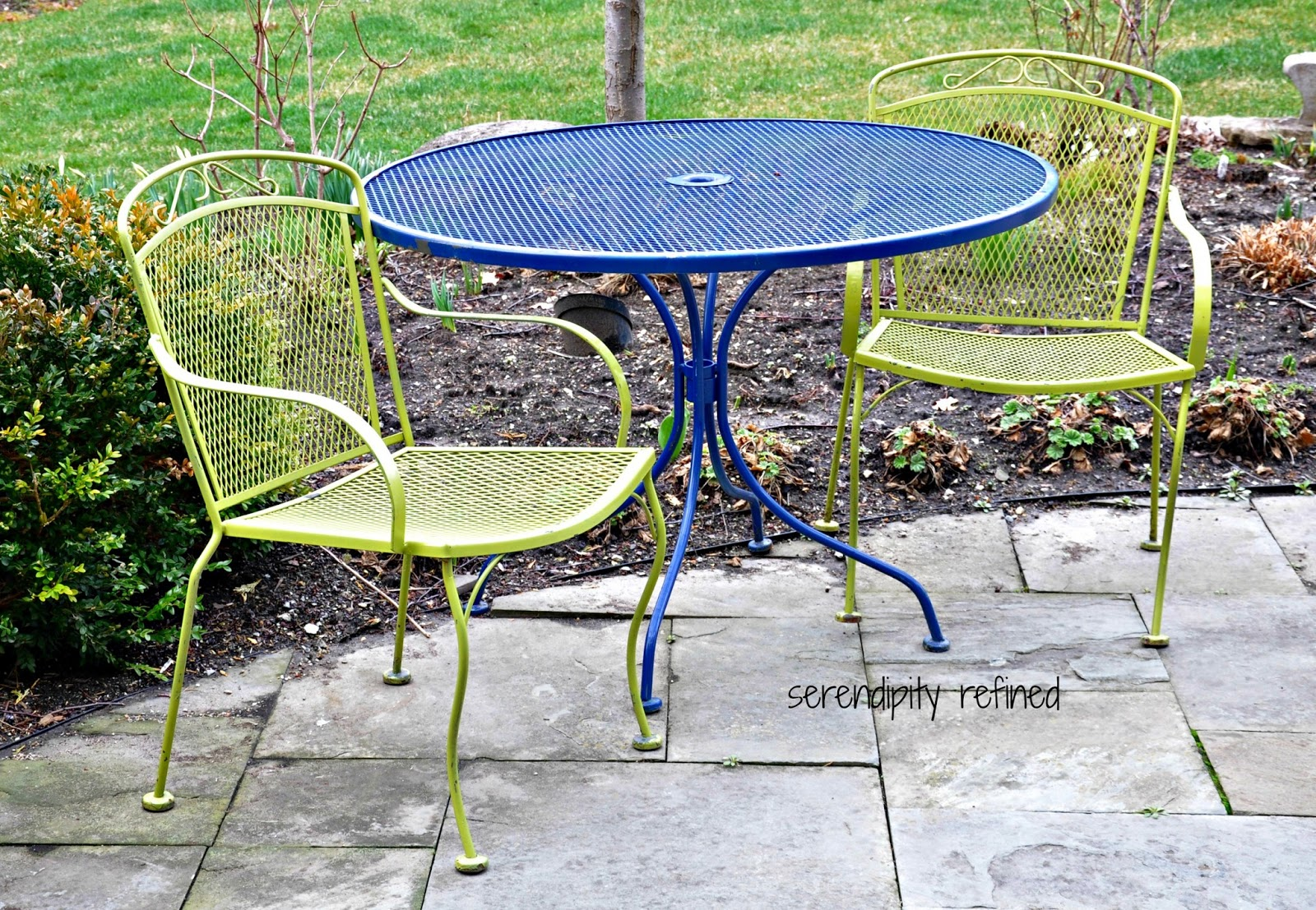 Serendipity refined blog white spray painted metal patio for Small metal patio set