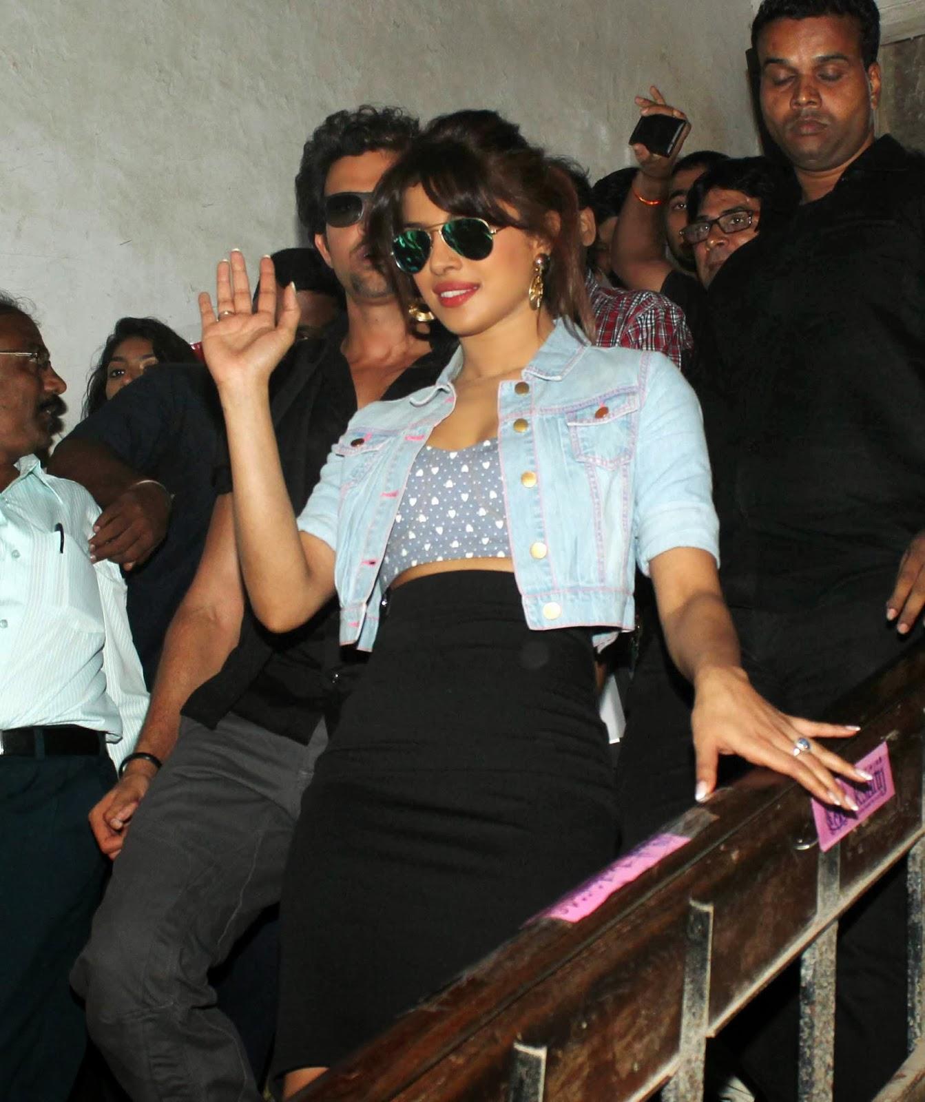 Hritik Roshan and Priyanka Snapped Promoting Krrish 3 Movie 22.JPG