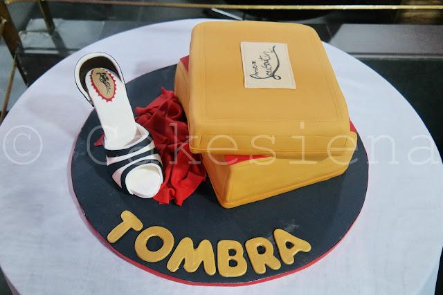 louboutin, christian louboutin, shoe cake, louboutin cake, designer cakes, cakesiena