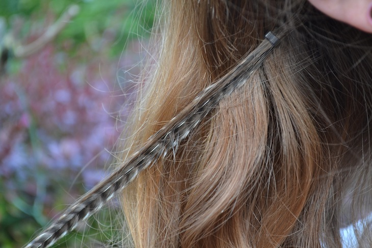 DIY hair feathers