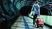Giovani in fuga dall'Italia, poveri e pensionati alla fame