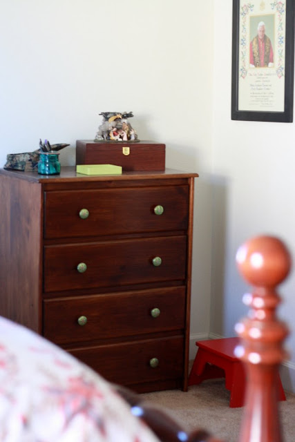 Before And After Dresser Makeover With Awesome Knobs