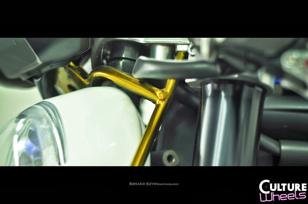 Café-racer Triumph 1050 Speed Triple Kustom FCR