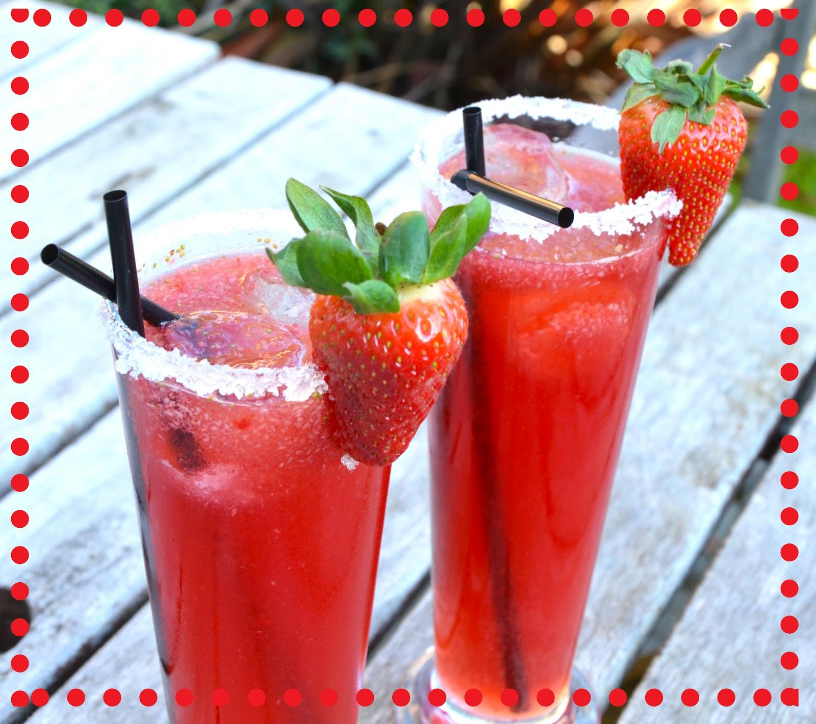 how to make a strawberry daiquiri mocktail