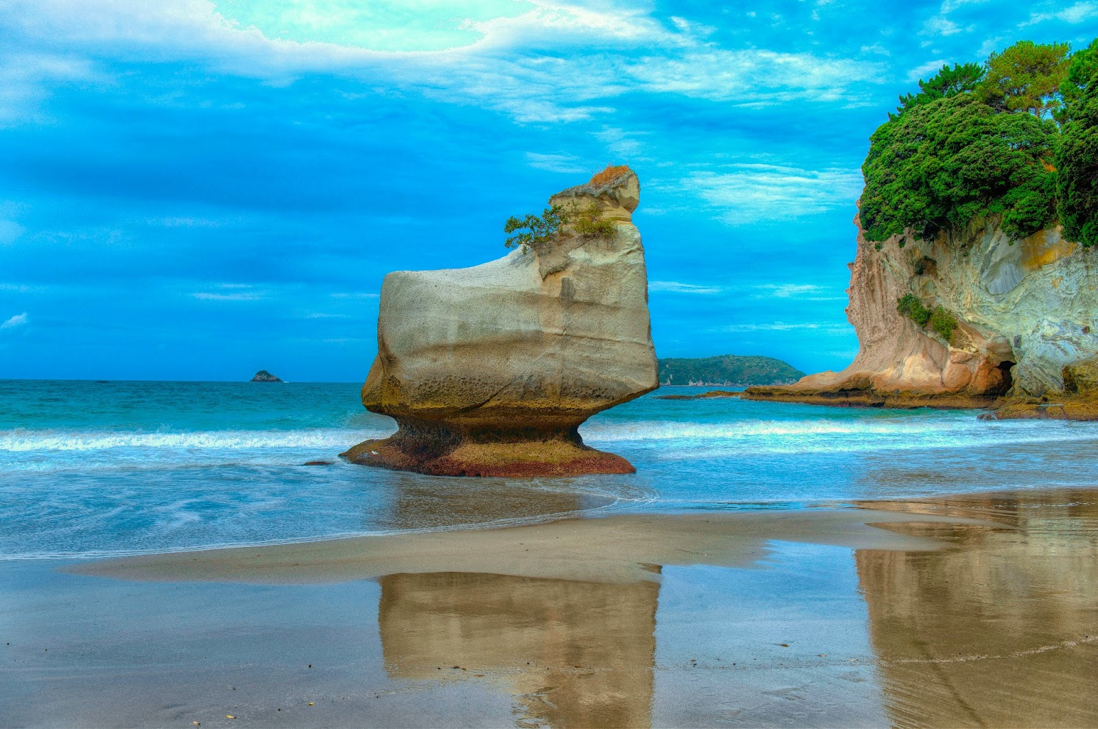 Cathedral Cove Extraordinary Place Of New Zealand World